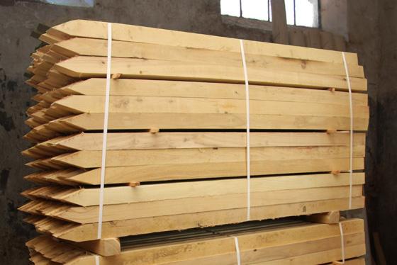 Akátový kůl řezaný 5x5x150 cm
