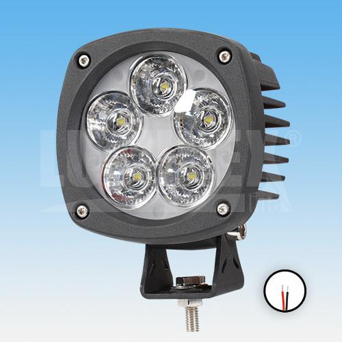 LED PRACOVNÍ SVĚTLOMET - 2350 LUMENŮ, 10-30V + 0,3 m KABEL